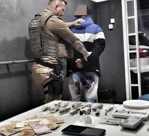 Homem é preso por tráfico de drogas no bairro Parque Malwee, em Jaraguá do Sul